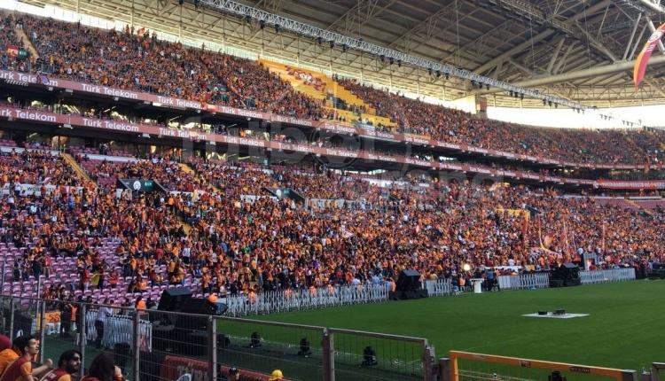 Galatasaray'ın şampiyonluk kutlamasında Fenerbahçe'ye gönderme (Galatasaray'ın şampiyonluk kutlamaları İZLE)