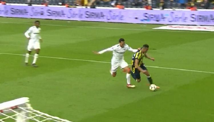 Josef de Souza'dan Bursaspor maçında penaltı isyanı