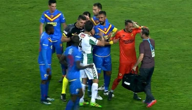 Konyaspor - Göztepe maçında olay! Beto...