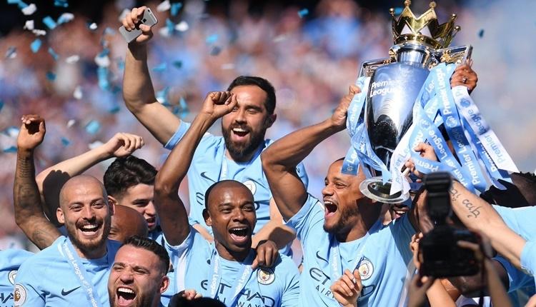 Manchester City 100 puan ile lig tarihine geçti
