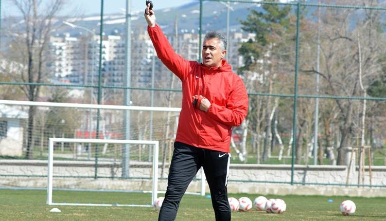 Mehmet Altıparmak Erzurumspor'da kalacak mı?