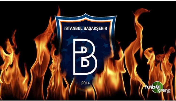 Mossoro kırmızı kart sonrası hakemin üzerine yürüdü! (Başakşehir - Sivasspor maçı)