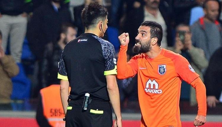 Özgür Demirtaş'tan Arda Turan'a tepki! (Arda Turan'ın Sivas maçı hakemini itmesi)