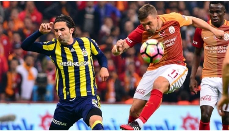 Podolski'den Fenerbahçe'yi eleyen Akhisarspor paylaşımı