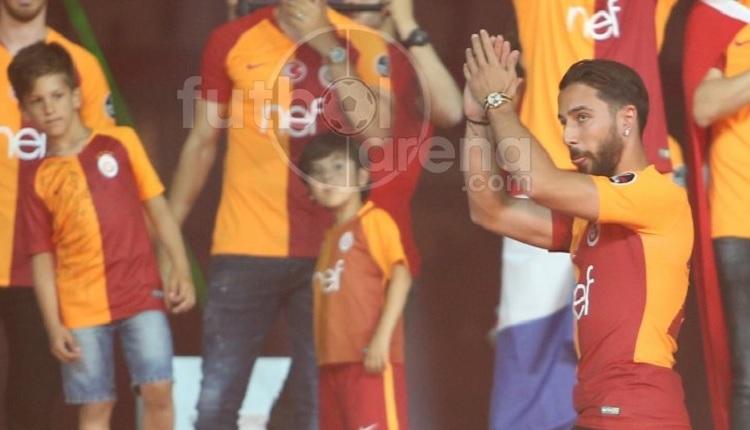 Tarık Çamdal Galatasaray şampiyonluk kutlamalarında ıslıklandı
