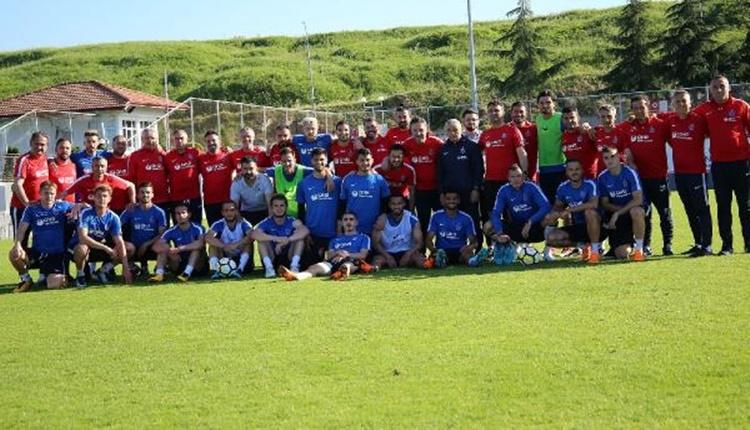 Trabzonsporlu futbolcular Rıza Çalımbay'a veda etti