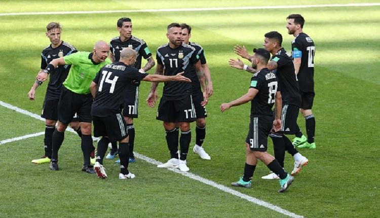 Arjantin - İzlanda maçında tartışmalı pozisyon! Yoğun penaltı itirazı