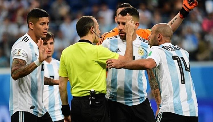 Cüneyt Çakır'dan Arjantin - Nijerya maçına damga vuran penaltı kararı