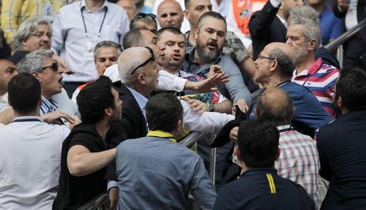 FB Haber: Fenerbahçe Divan Başkanı Vefa Küçük sinirlendi: 'Yeter artık, susun!'