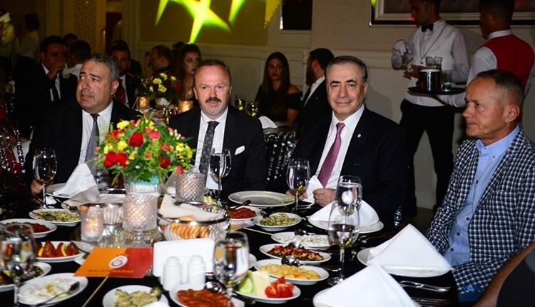 Galatasaray yönetimi, Gaziantep'e gitti