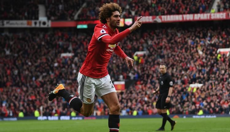 Manchester United, Marouane Fellaini ile sözleşme yeniledi