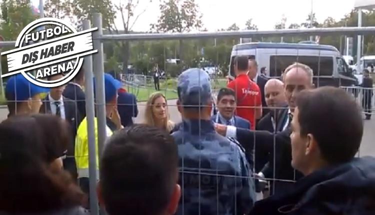 Maradona'yı tanımayınca aracını otoparka almadılar