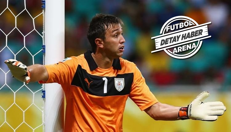 Muslera Uruguay futbol tarihine geçti