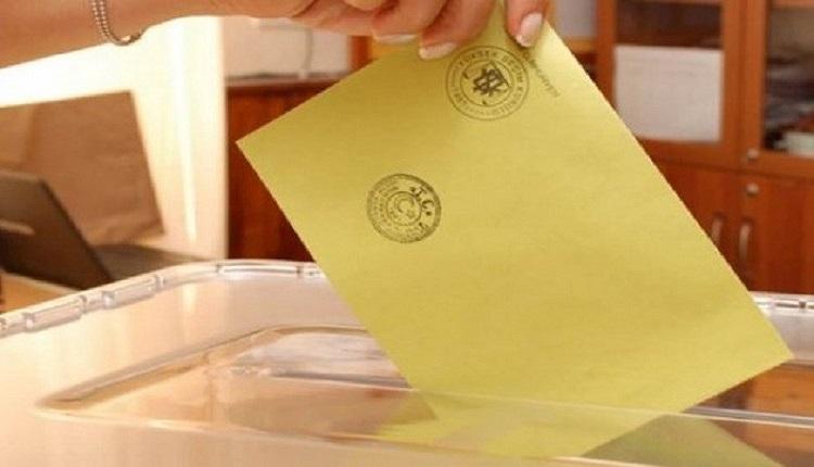 Oy kullanırken gerekli evraklar (24 Haziran 2018 Pazar) Oy kullanırken gerekli belgeler - Oy zarfında kaç mühür olmalı? Oy pusulasında kaç mühür var - 2018