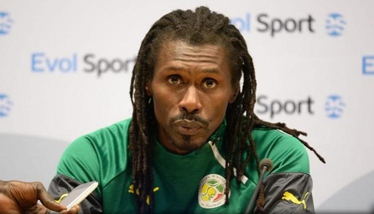 Senegal'in hocası Aliou Cisse'yi hataya düşüren olay!