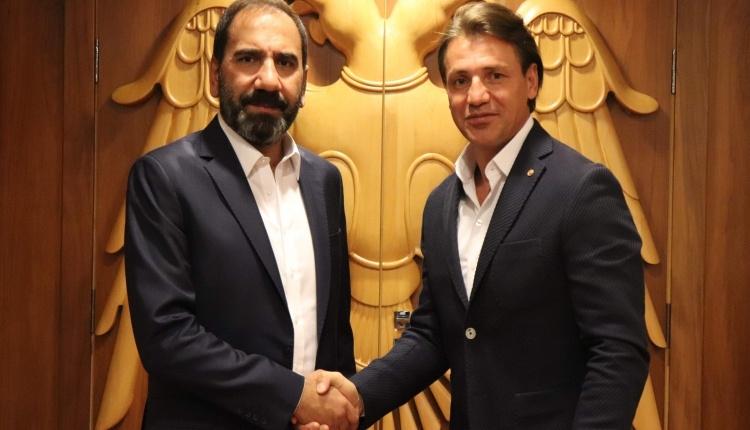 Tamer Tuna resmi sözleşmeyi imzaladı
