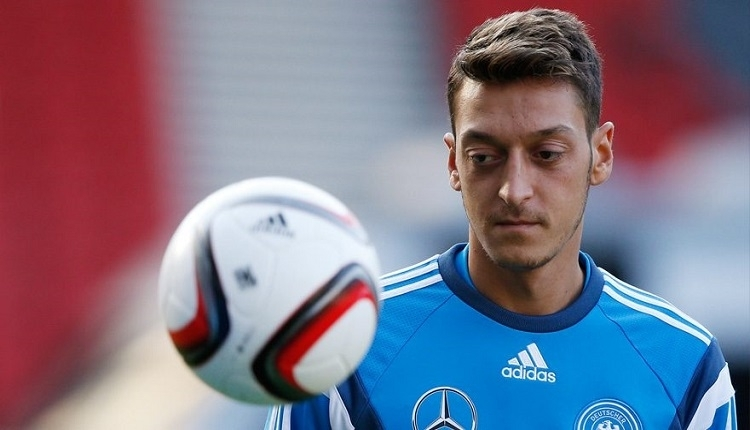 Bursaspor'dan Mesut Özil'e destek: ''Gurur duyuyoruz''