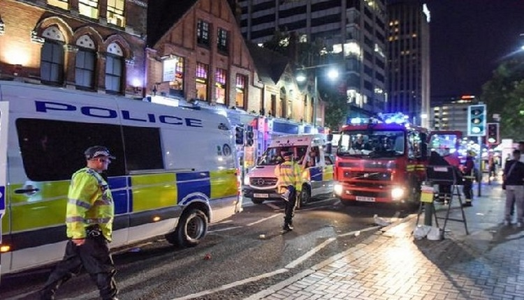 İngiltere'de büyük kavga! Polis devreye girdi