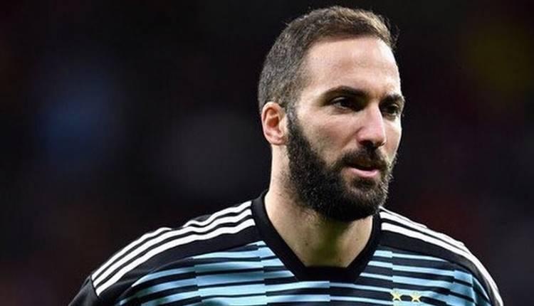 Juventus, Gonzalo Higuain'i satıyor! Milan, PSG ve Chelsea...