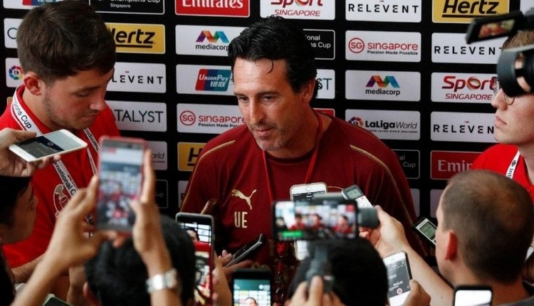 Mesut Özil'e teknik direktör Unai Emery'den destek