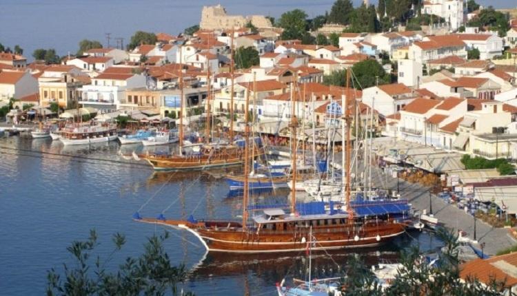 Sisam Adası nerede? Sisem Adası Türkiye'ye ne kadar yakın? Sisam Adası Türkiye'ye yakın mı?