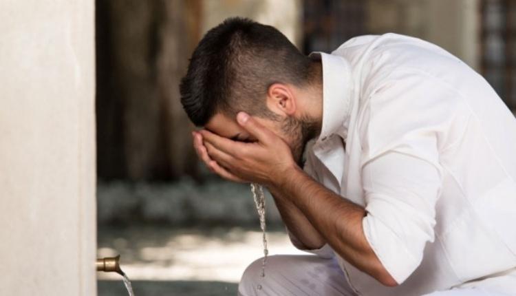 Cuma namazı abdesti nasıl alınır? Cuma namazı abdest almayı öğrenme (10 Ağustos Cuma 2018)