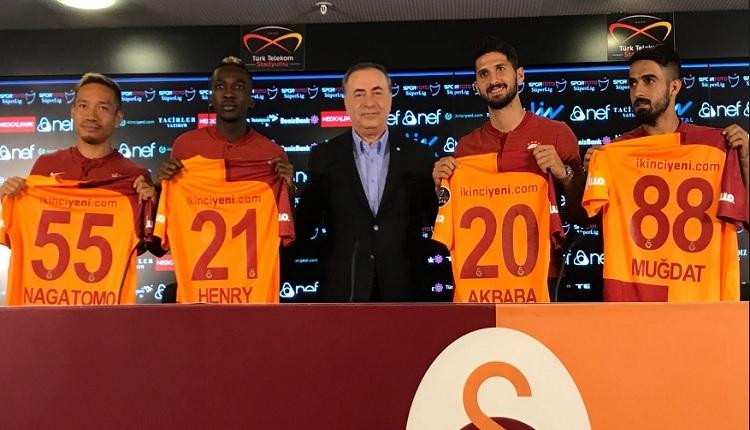 GS Transfer: Emre Akbaba'dan imza töreninde Fenerbahçe sorusuna yanıt