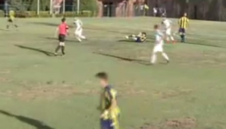 Fenerbahçe - Bursaspor maçında skandal zemin!
