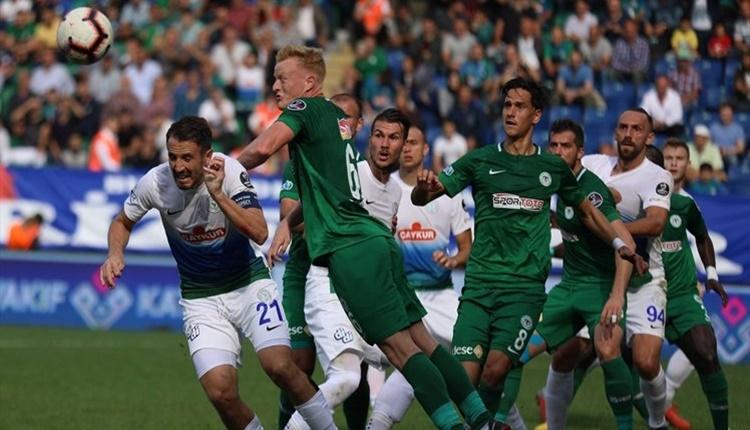 Çaykur Rizespor - Atiker Konyaspor maçı sonrasında saha karıştı!
