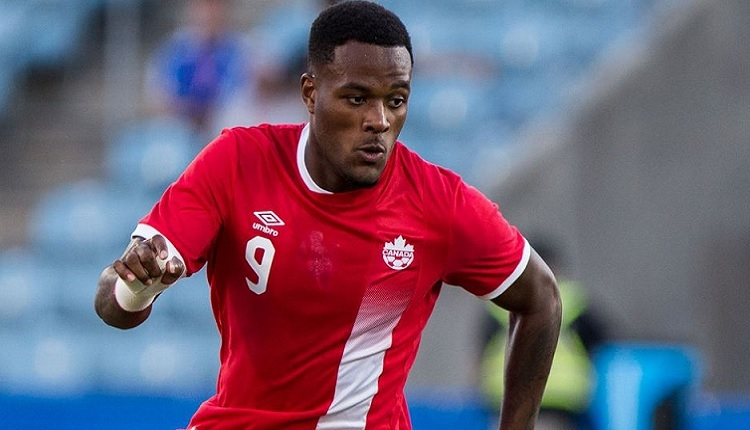 Cyle Larin Kanada - Dominika maçında golünü attı