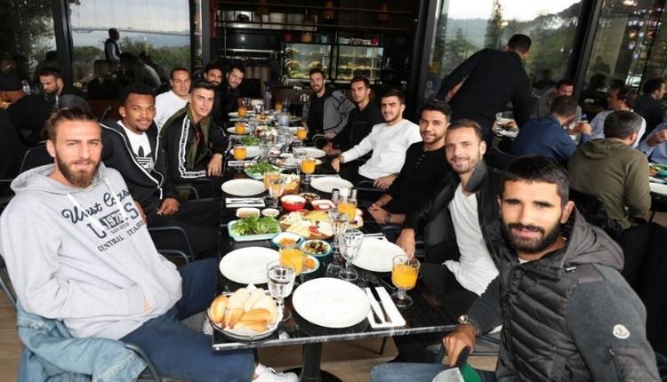Fenerbahçe'de kahvaltı buluşması