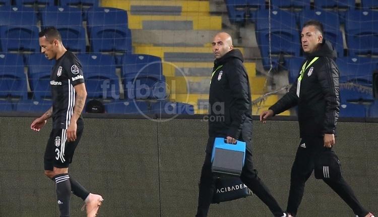 Beşiktaş'ta Adriano devam edemedi