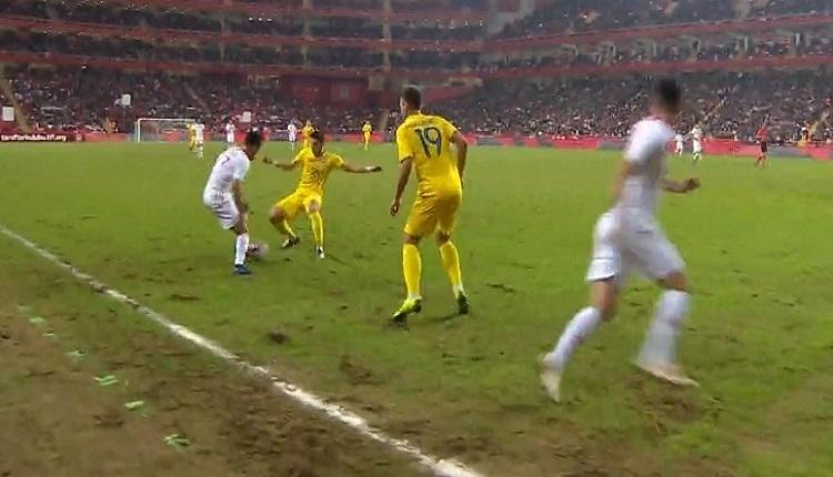 Türkiye - Ukrayna maçında skandal zemin