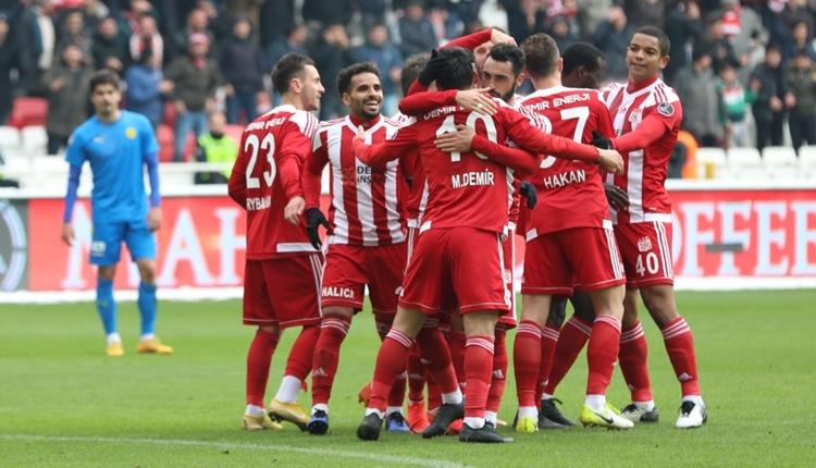 Sivasspor 4 - 0 Ankaragücü maçın özeti ve golleri (İZLE)