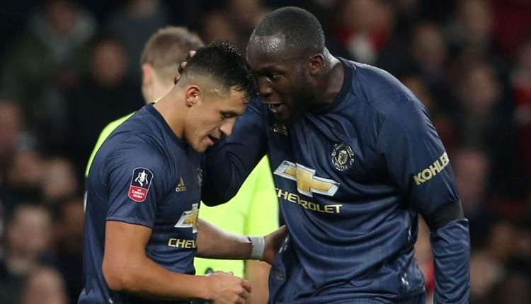 Arsenal 1-3 Manchester United maç özeti ve golleri