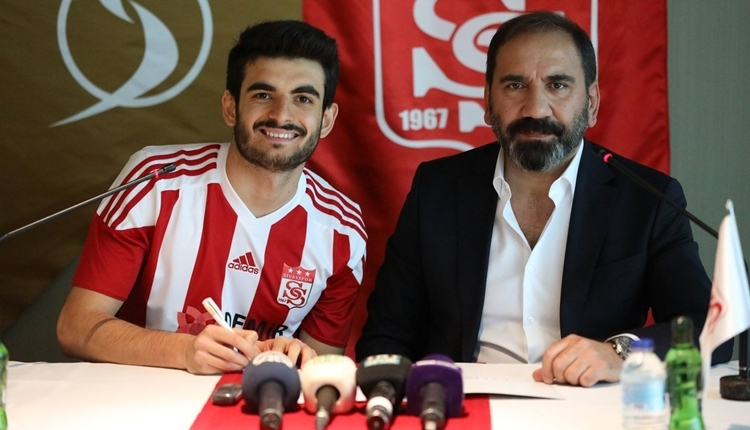 Beşiktaş'ın kiraladığı Fatih Aksoy imzayı attı! Mecnun Otyakmaz'dan mesaj