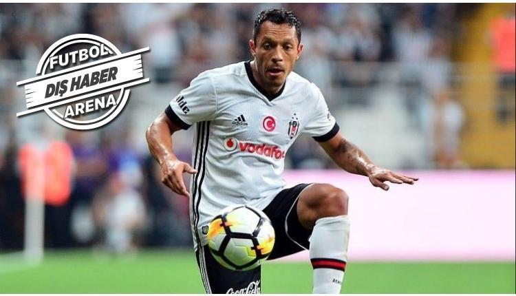 Gremio'dan Adriano transferine resmi açıklama geldi