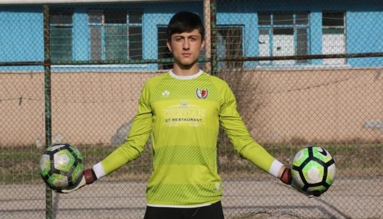 Beşiktaş, 500 Evlerspor'un kalecisi Oğuzhan Çelik'i kadrosuna kattı