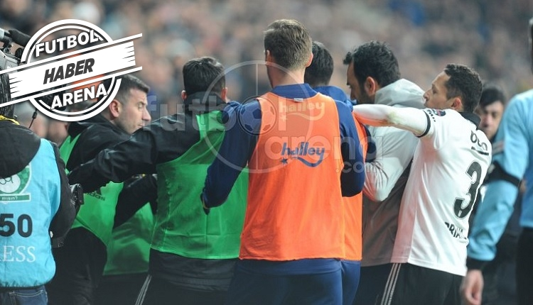 Beşiktaş - Fenerbahçe derbisinde ortalık karıştı! Kartlar