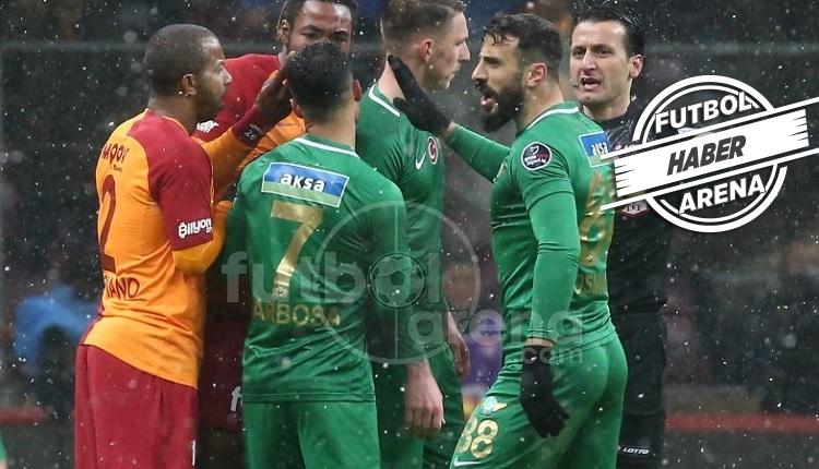 Galatasaray - Akhisarspor maçında hakem tepkisi! 'Kırmızı kart!'