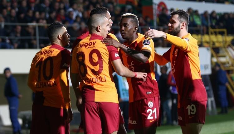 Galatasaray futbolcuları Başakşehir maçını izledi! Selçuk İnan'dan Trabzonspor mesajı