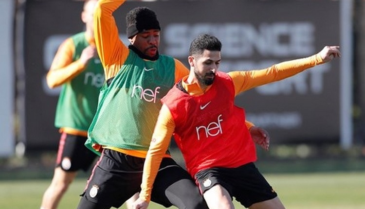 Galatasaray'a Emre Akbaba ve Nagatomo müjdesi
