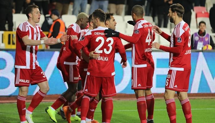 Sivasspor 2-1 Akhisarspor maç özeti ve golleri izle