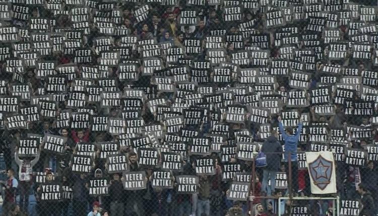 Trabzonspor taraftarlarından Yıldırım Demirören'e protesto