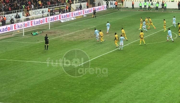 Başakşehir'in kazandığı penaltı tartışma yarattı! Tepkiler çığ gibi