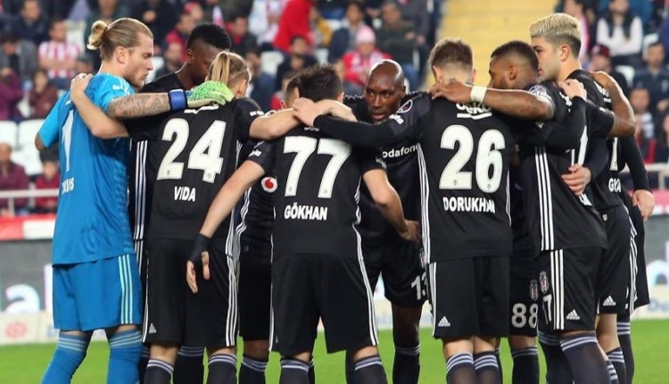 Beşiktaş'ta 5 isim ile yollar ayrılıyor