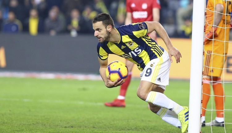 Fenerbahçe'de Soldado kararı! Yeni sözleşme