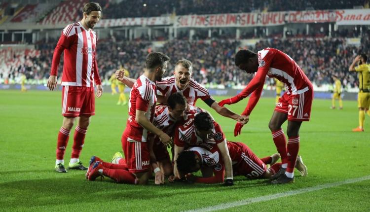Sivasspor 2-0 Yeni Malatyaspor maç özeti ve golleri (İZLE)