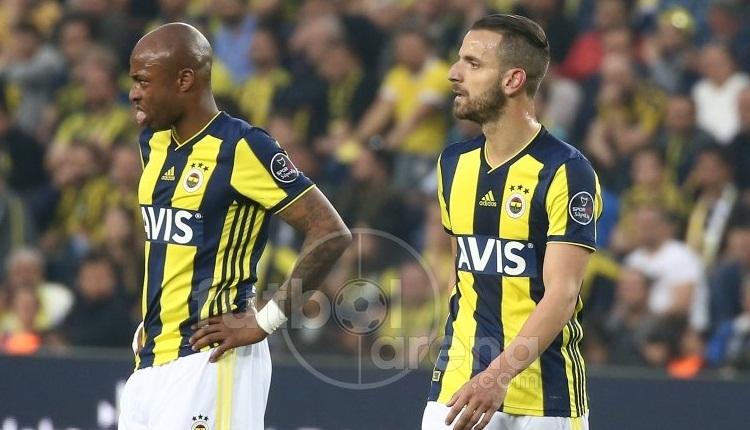 Andre Ayew'e Fenerbahçeli taraftarlardan şok protesto