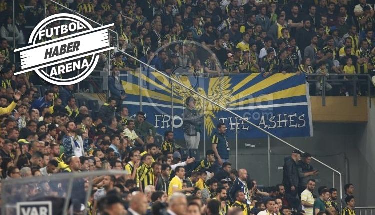 Kadıköy'de Fenerbahçe'ye dev protesto! Cüneyt Çakır'a küfür